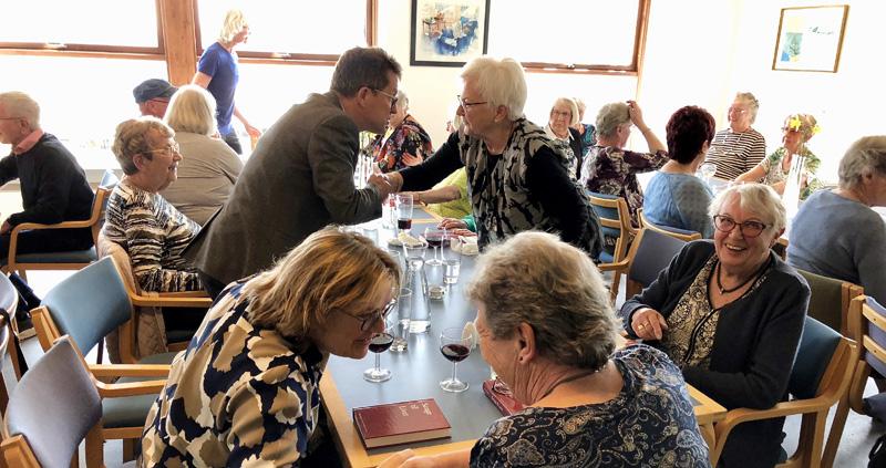 Danmark spiser sammen - Ældre Sagen Bornholm - Aakirkebyhallerne - Uge 45
