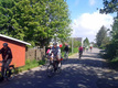 30. maj 2018. Cykelgruppen har forladt Nexø og er på vej mod Snogebæk.